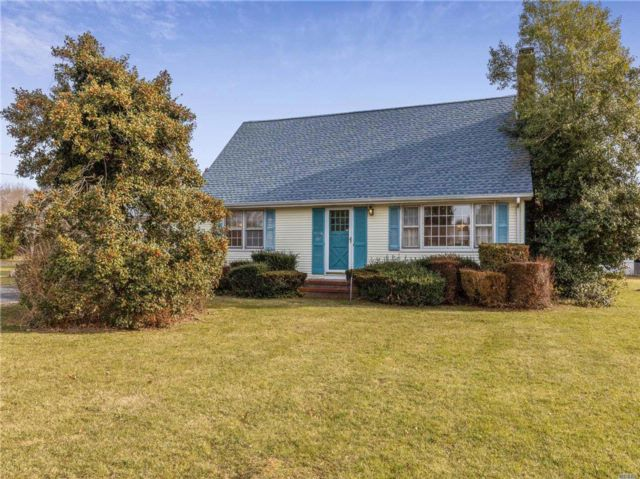 4 BR,  2.00 BTH  Cape style home in Southold