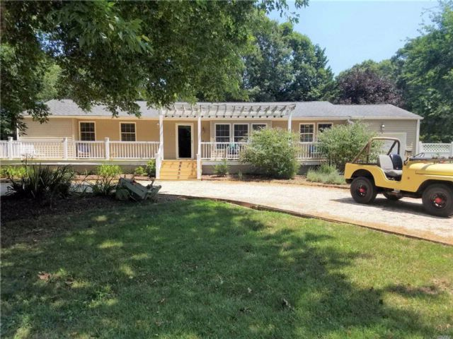 3 BR,  2.00 BTH  Ranch style home in Southold